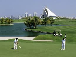 гольф в Дубаи